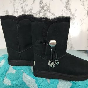 UGG Bailey Button Charm Woman's Boots Black